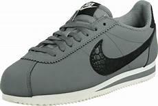 nike cortez leather se shoes grey black