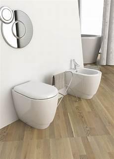 vaso bagno vaso e bidet filo muro narciso opera sanitari