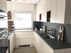 ideen für kleine küchen kleine kuche einrichten ikea inspiration schmale bilder