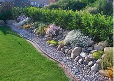aus liebe zum stein beeteinfassung kiesgarten garten