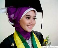 Model Jilbab Untuk Wisuda Praktis Rahasia Model Jilbab