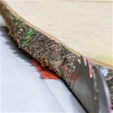 holzbohlen mit rinde massivholz tische gefertigt