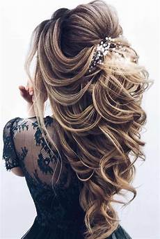 68 stunning prom hairstyles for long hair for 2019 68 stunning prom hairstyles for long hair for 2020 kapsels voor lang haar bruiloft kapsel