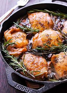 garlic rosemary chicken thighs what s in the pan
