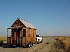 haus auf anhänger ein winziges wohnhaus auf r 228 dern black forest tiny