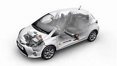toyota yaris boite automatique fonctionnement voiture hybride toyota d 233 veloppe une puce 233 lectronique permettant encore plus d 233 conomie de