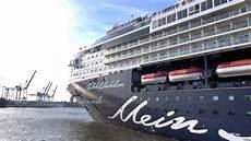Quot Mein Schiff 1 Quot Auslaufen Cruise Center Steinwerder