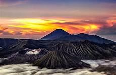 6 Gunung Di Indonesia Dengan Keindahan Alam Yang Menakjubkan