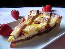 crostata con crema pasticcera e fragole crostata con marmellata di fragole e crema pasticcera strawberries jam and cream patisserie tarte