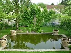 bassin de jardin rond bassin de jardin rond