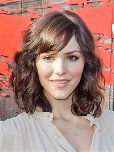 Curly Hairstyles For Medium Hair With Bangs 12 fabulous medium hairstyles with bangs pretty designs