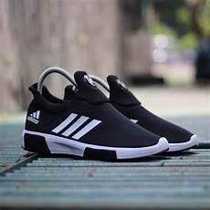 Nike Slop Cowok Sepatu sepatu adidas hitam putih cowok