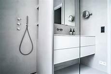 résine sol salle de bain propose habille la salle de bains d une r 233 sine gris perle