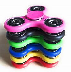 customs seize 200 thousand fidget spinners safety