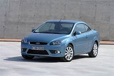 used ford focus coupe cabriolet 2006 2010 review parkers
