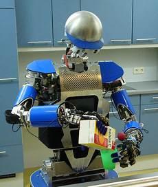 paco plus ce robot vous aide 224 faire le m 233 nage et la cuisine