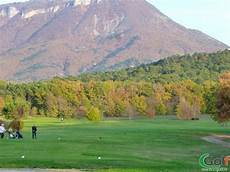 golf de digne golf des lavandes digne les bains 04 alpes de haute provence paca cgolf fr