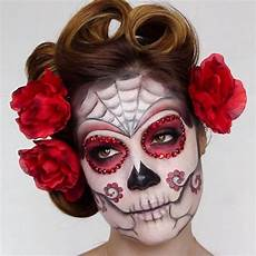 Totenkopf Schminken Frau - kunstvolle schminke make up ideas gruselig