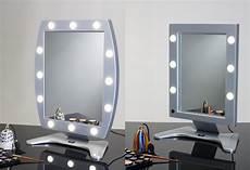 tavolo illuminato idee regalo per specchi trucco make up e