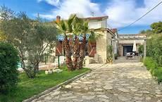 Garage La Seyne Sur Mer A Vendre A La Seyne Sur Mer Une Villa T7 Avec Piscine Et