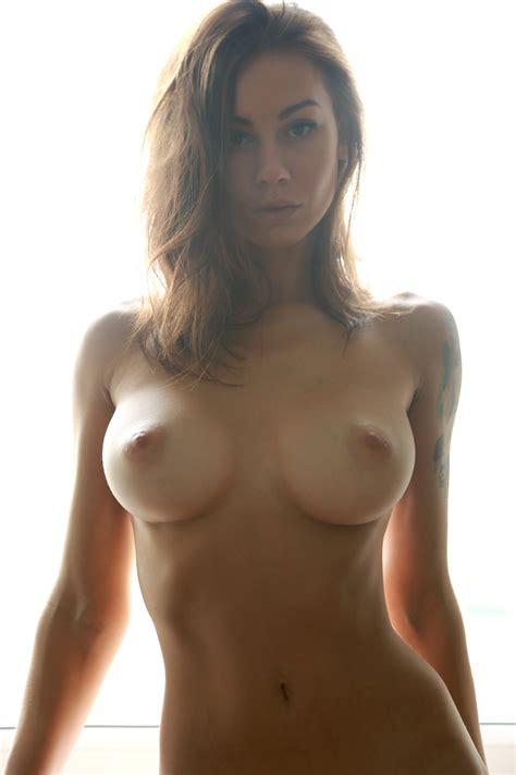 Cute Nue