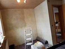 Tapete Entfernen Wand Grundieren Spachteln Streichen