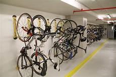fahrrad garage aufhängen steadyrack gallery bike rack company
