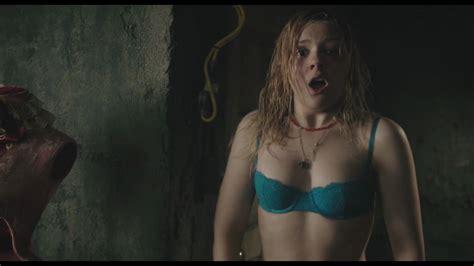 Abigail Breslin Boobs