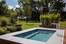 Ein Pool Trotz Kleinem Garten Ist Durchaus M 246 Glich Delfin