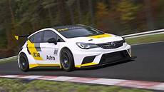 Opel Astra Tcr - opel reveals astra racer for new low cost tcr series