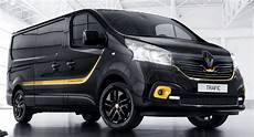 Renault Trafic 2018 - renault trafic formula edition looks the part in
