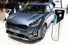 refreshed 2019 kia niro hybrid and in hybrid go on