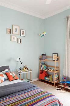 farbe im kinderzimmer wandgestaltung kinderzimmer mit farbe geometrische formen