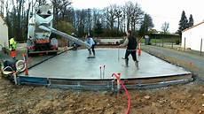 dalle beton pour garage coulage dalle avec du b 233 ton autonivelant