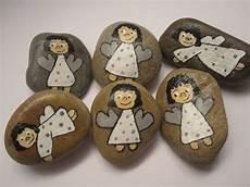 Steine Bemalen Weihnachten - 4149 best images about painted stones zen work