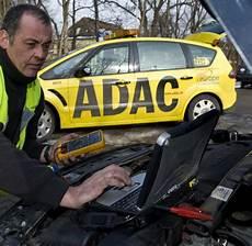 Pannenhilfe Kfz Schutzbriefe Schlagen Den Adac Beim Preis