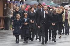 niki lauda zwillinge niki lauda bilder der trauerfeier f 252 r verstorbenen