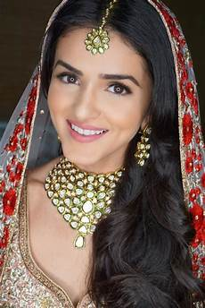 unmissable summer hair and makeup tips for a summer wedding