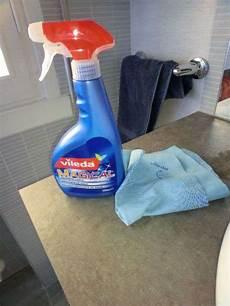 vileda doccia prodotti per pulire il calcare e goccioline box doccia