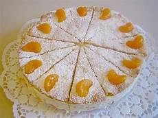 quark sahne torte mit mandarinen gedeckt schrat