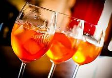 Aperol Spritz Cocktails - how the aperol spritz became italy s favorite cocktail eater