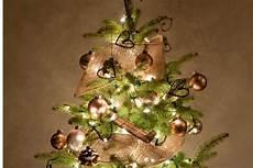 weihnachtsbaum im netz lassen tannenbaum schneiden 187 so machen sie s richtig