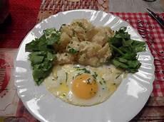 recette salade de pomme de terre alsacienne salade de pommes de terre 224 l alsacienne chez mamy gigi