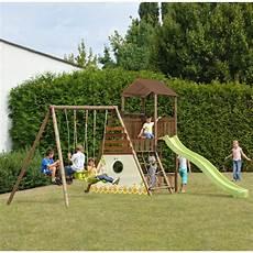 aire de jeux avec toboggan aire de jeux bois trait 233 melia avec plateforme et toboggan gamm vert