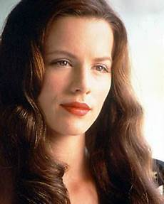 kate beckinsale pearl harbor prof kate beckinsale 40s hairstyles dark hair