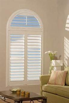 picking out window coverings for the bedroom how to cover up shaped windows window treatments