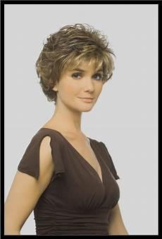 modele de coiffure femme courte coiffures femmes 60 ans photos