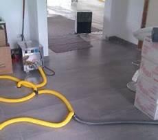 Wasserschaden Trocknung Im Haus Mauer Decken