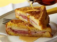 Sandwich Toast Rezepte - toastie with ham and cheese filling recipe eat