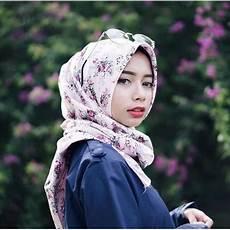 Pakai Jilbab Segiempat Kamu Bisa Til Chic Dengan 10
